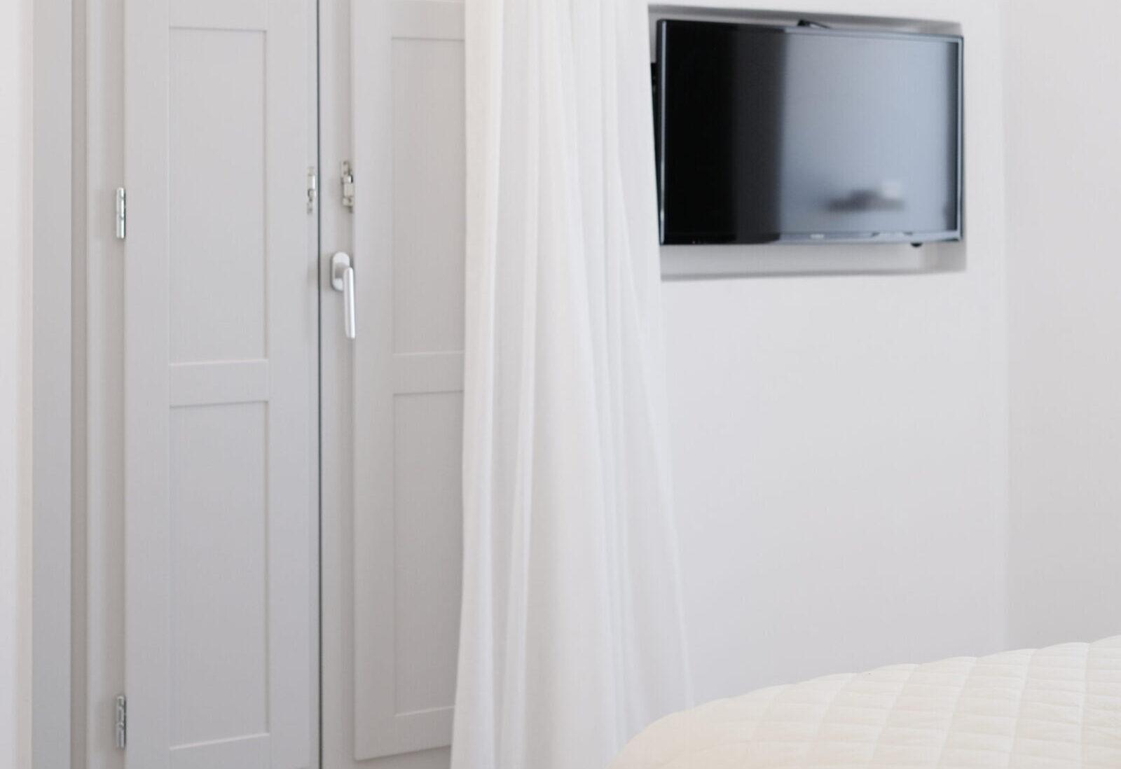 Alafropetra Luxury Suite 4 - Master bedroom