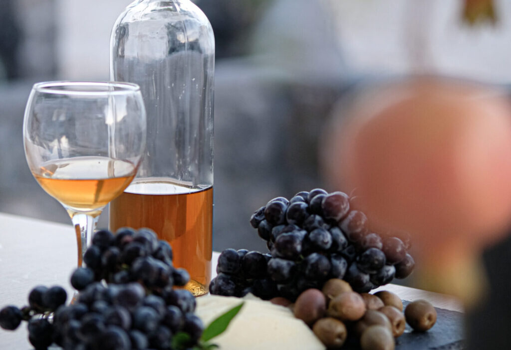 Alafropetra Luxury Suites - fruits and wine