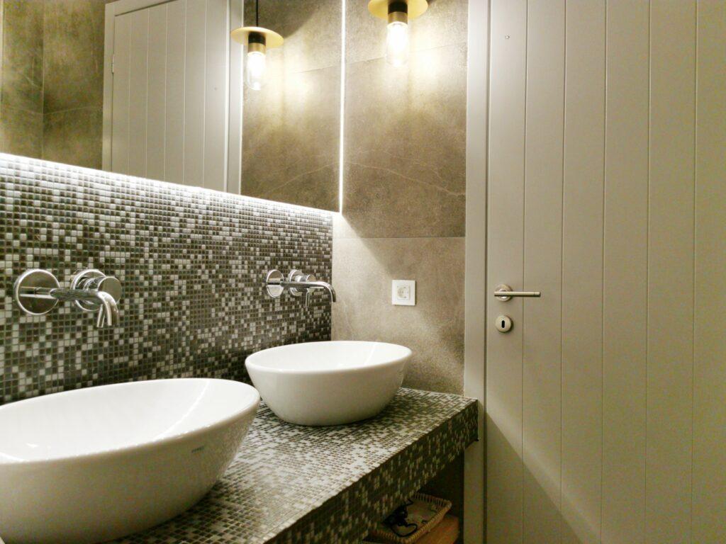 Alafropetra Luxury Suite 2 - Master bathroom