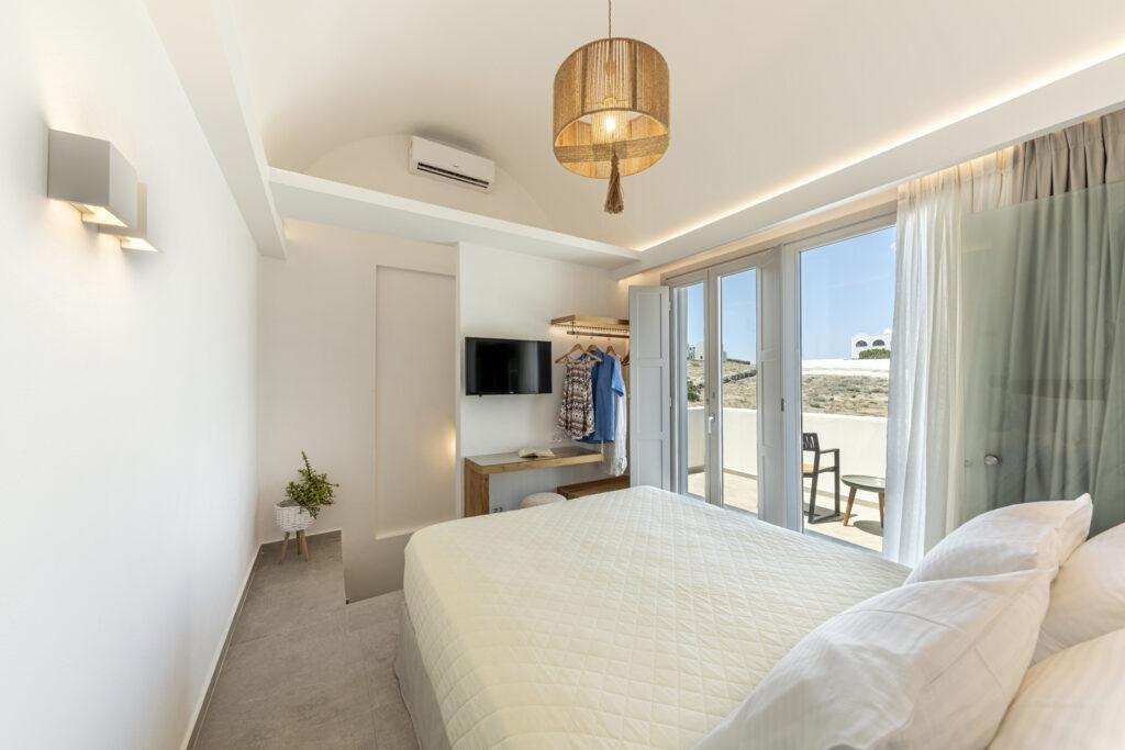 Alafropetra Luxury Suites - Suite 1 - Masterbedroom