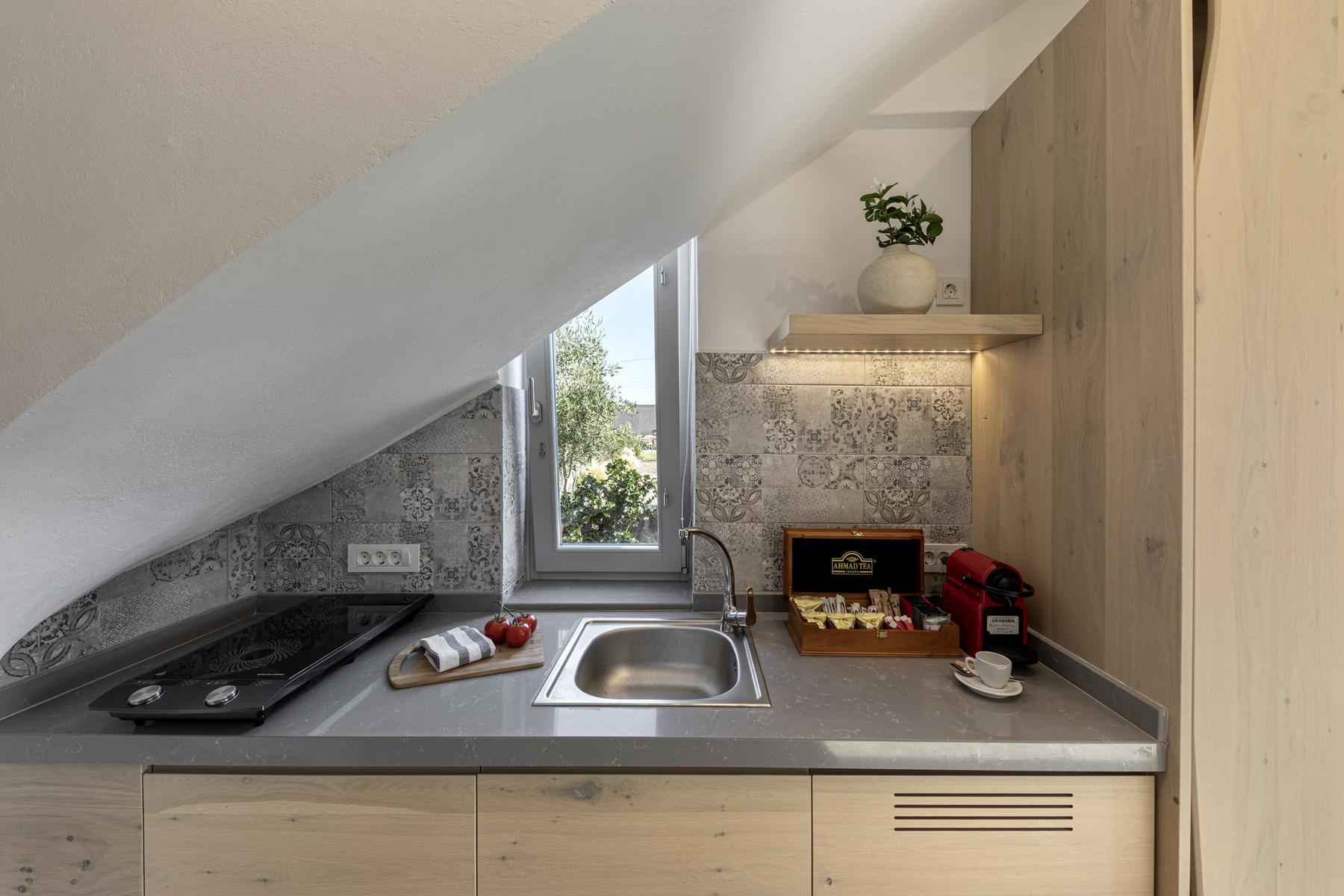 Alafropetra Luxury Suites - Suite 4 - kitchenette