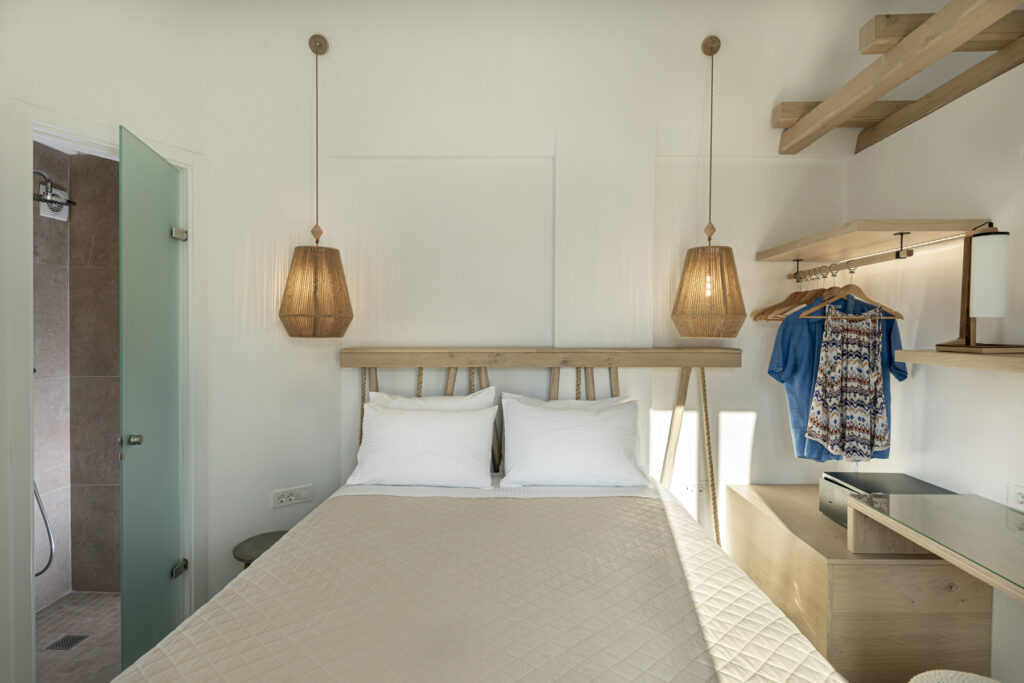 Alafropetra Luxury Suites - Suite 4 - Masterbedroom