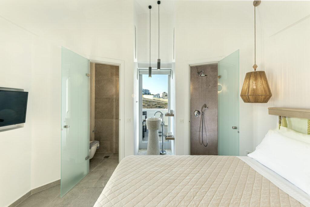 Alafropetra Luxury Suites - Suite 4 - Masterbedroom - Bathroom
