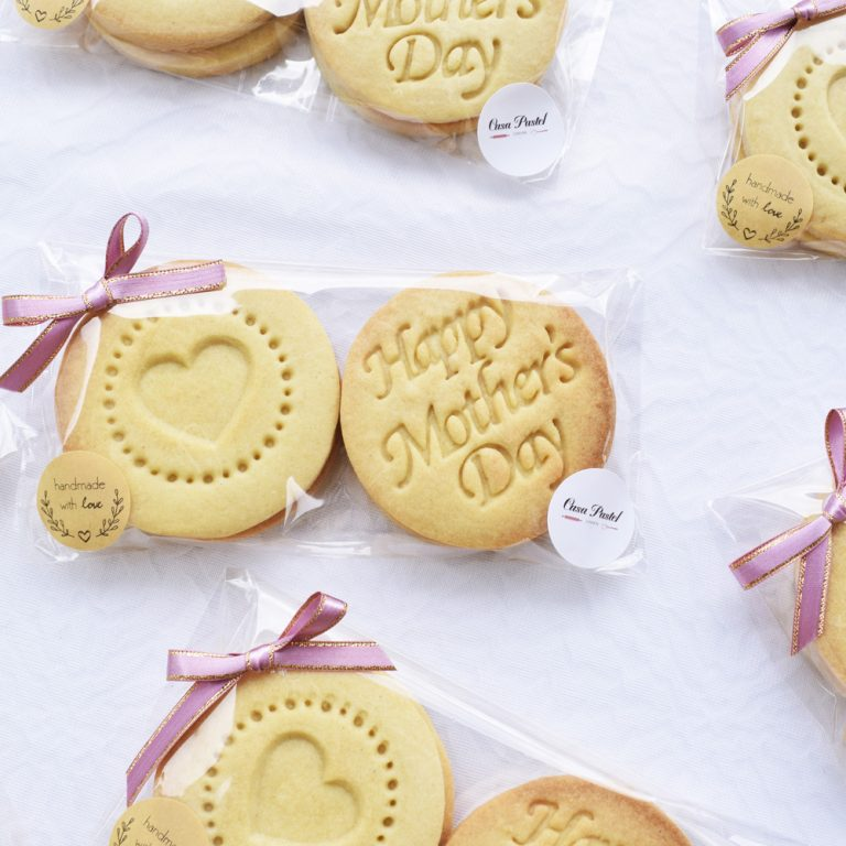 PERSONALISED INDIVIDUALLY WRAPPED STAMPED BISCUITS