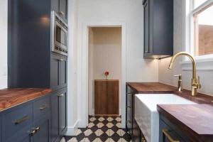 black-white-tile-cabinet