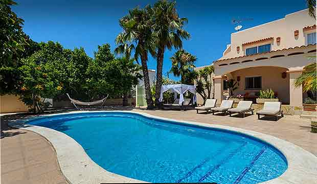 Piscina-holiday-homes-to-rent