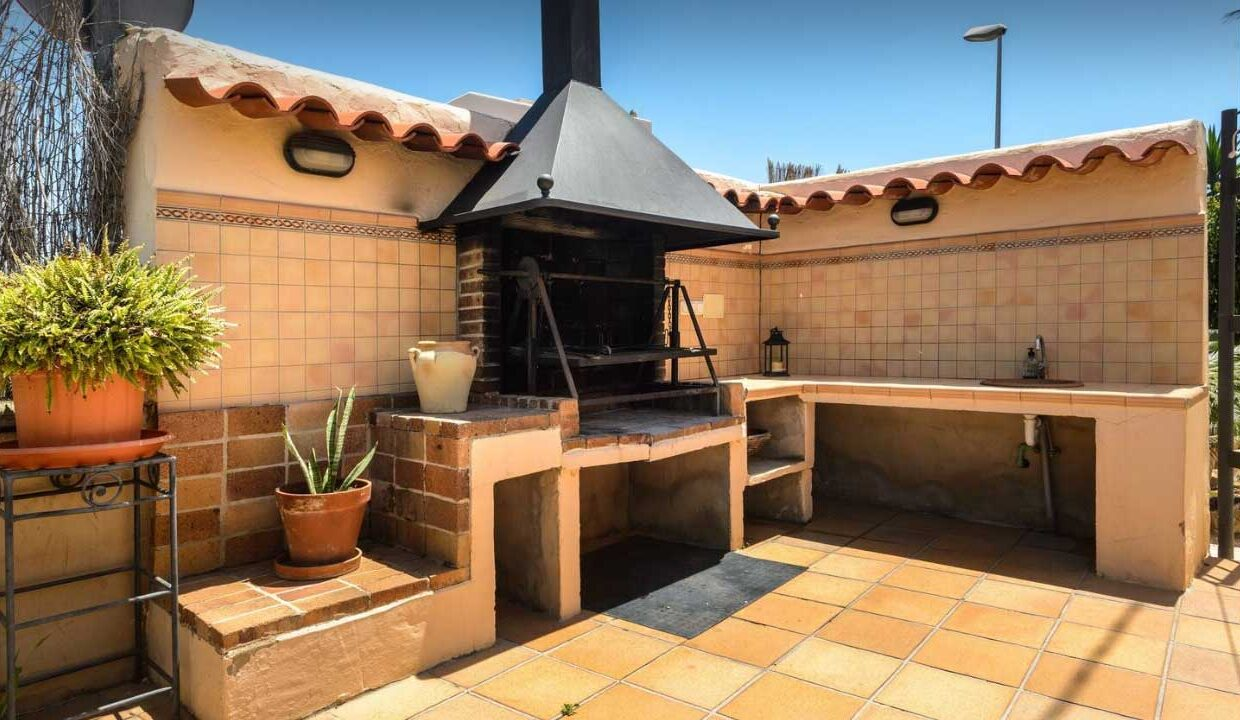 hoiday homes to let in ibiza.Grill_