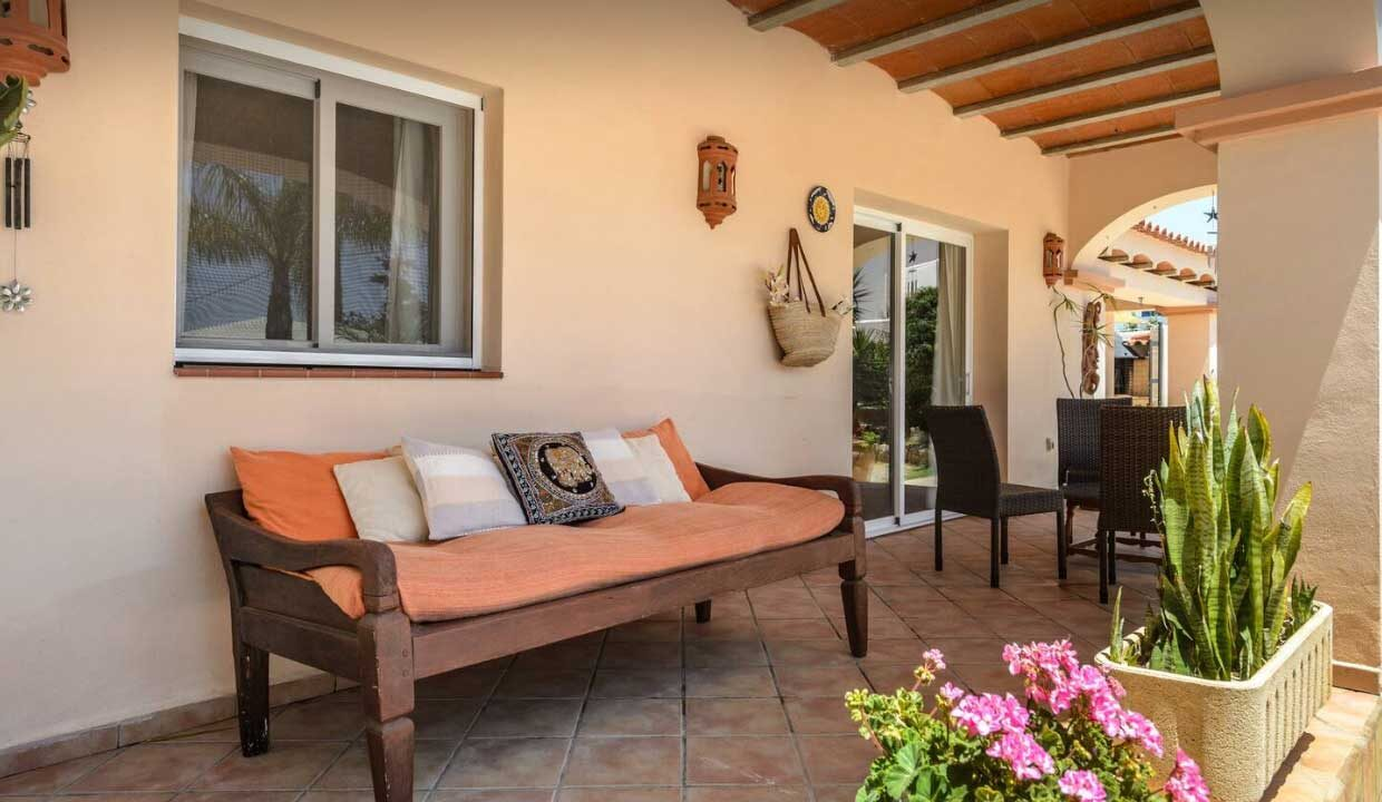 holiday homes to rent in Ibiza porche_