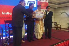 DR-Agrawal-Receiving-Make-in-India-award