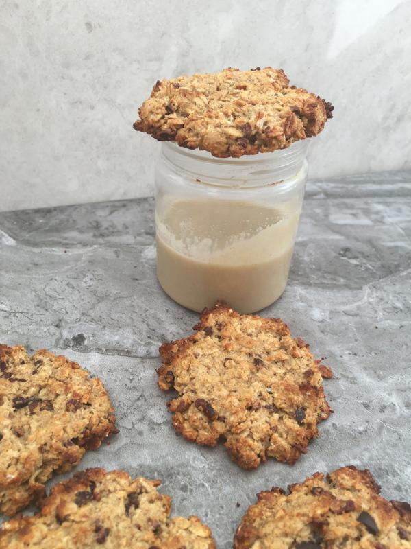 Chocolate chip tahini oatmeal cookies (VG, GF, Date sweetened)