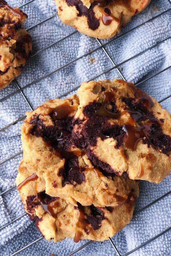 3 chocolate caramel cookies