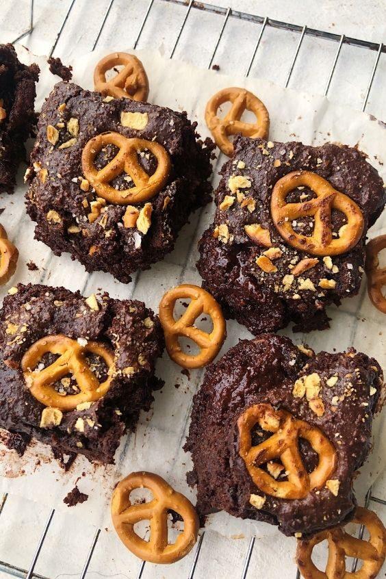 Gluten Free Chocolate Pretzel Brownies (Dairy Free)