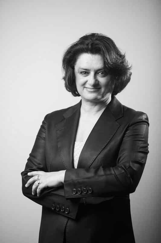Farah Nayeri host of CultureBlast