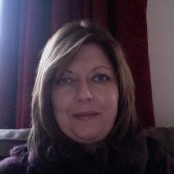 Dr Julia Crane