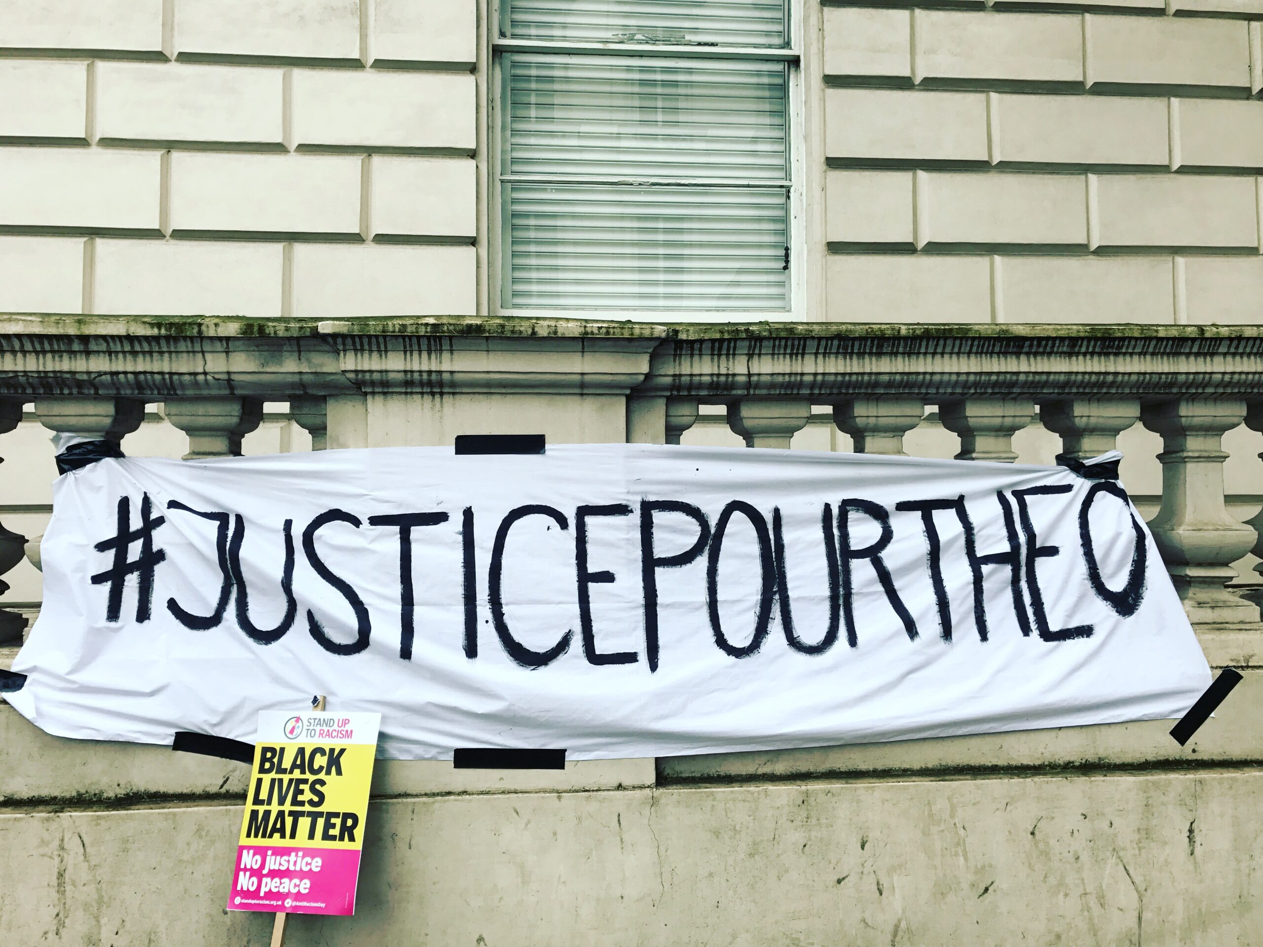 #justicepourtheo –  jail racist French police rapists