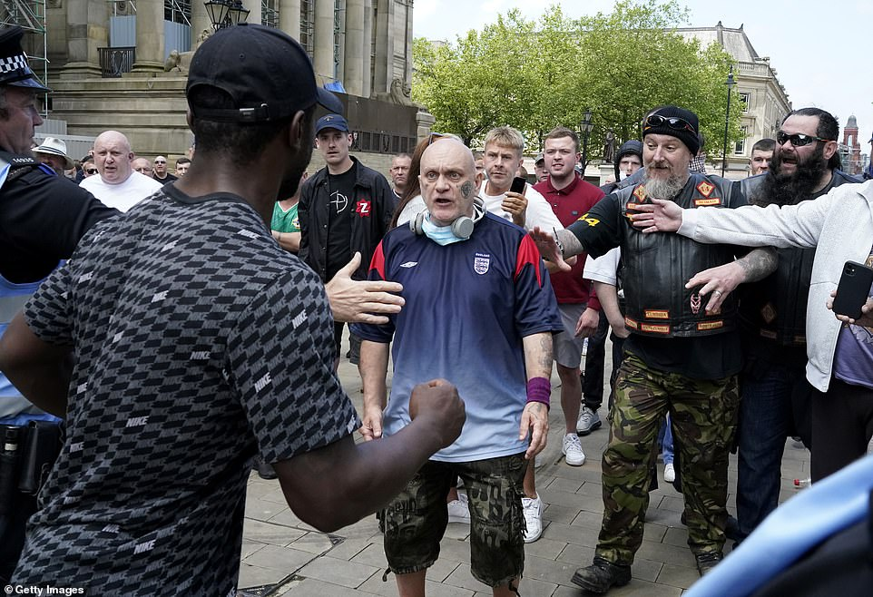 Eyewitness to far-right racist violence at London demo and lack of police response