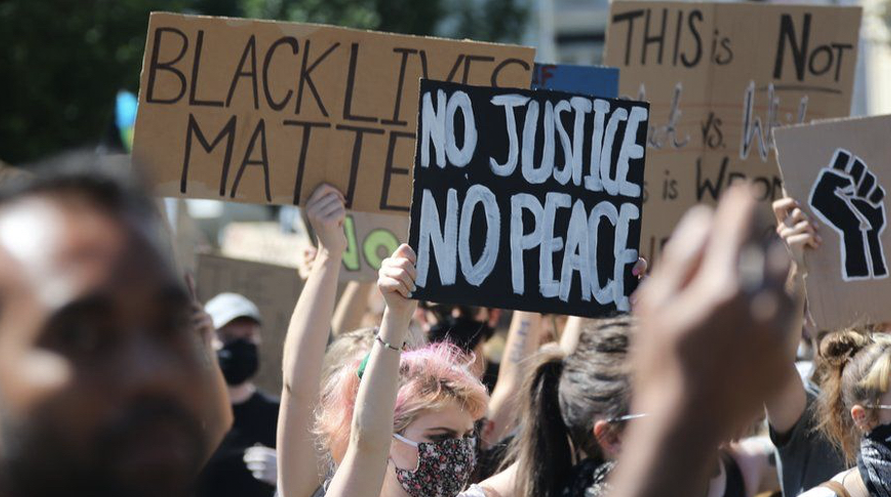 """Another big turnout on Brighton BLM protest following """"I can't breathe"""" outrage"""