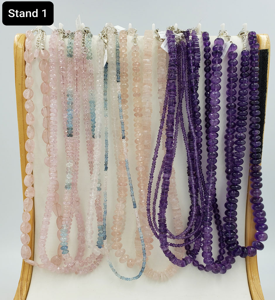 CLASSIC NECKLACE – STAND 1