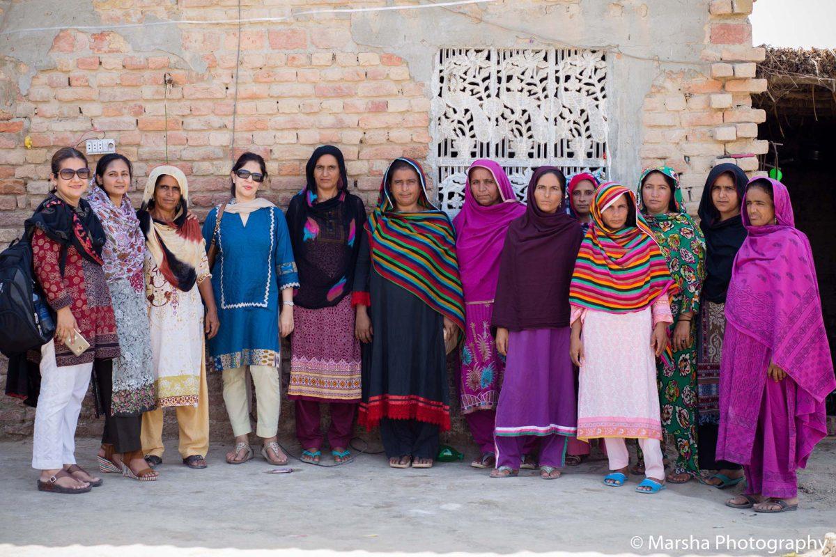 Najia Siddiqui with Female Artisans