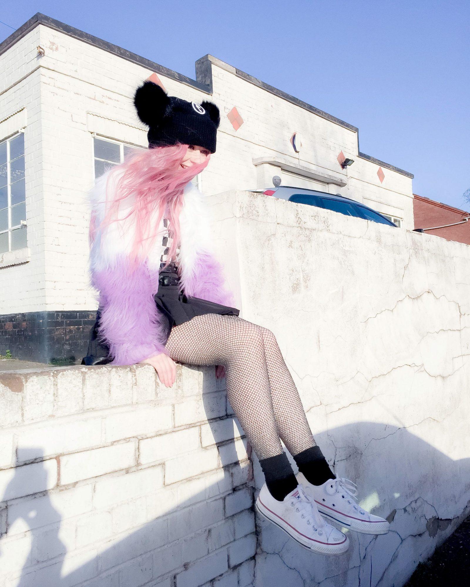 Marilyn Manson Killstar Kayla Hadlington, 90's, goth, emo, grunge girl, pink hair