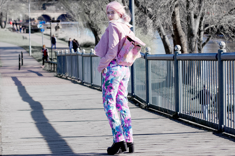corduroy jacket, vintage jeans, oriental print, dog choker, hair buns,