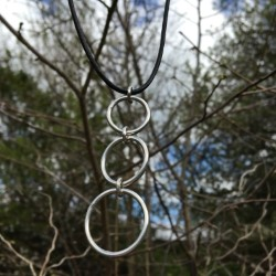 chilli designs plain 3 circles pendant