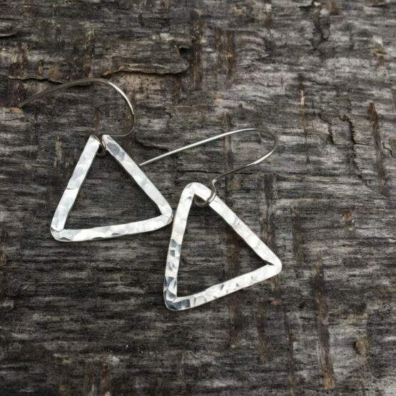 Chilli Designs medium triangle drop hammered earrings