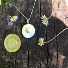 Chilli Designs daisy pendant