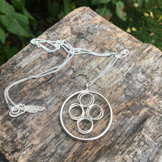 Chilli Designs long circles necklace