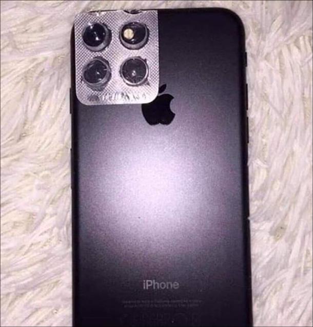 Смішний лайфхак: Як зробити iPhone 11 з старого айфона. Треба приклеїти блістер від пігулок