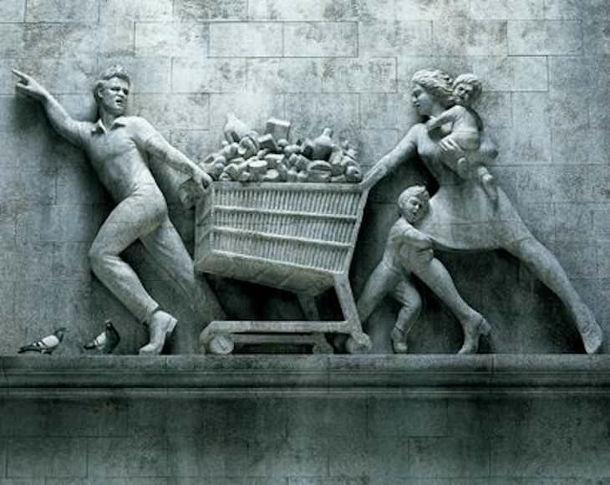 Прикол Паніка від коронавірусу. Іронічна Скульптура про паніку від коронавірусу. Чоловік, дружина і діти везуть повний візок товарів в супермаркеті