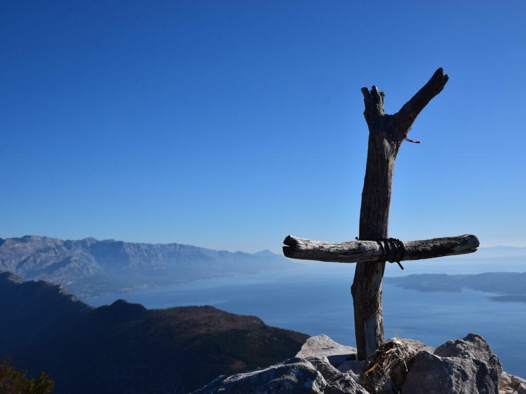 Tamo di sinje more ljubi… planinu!