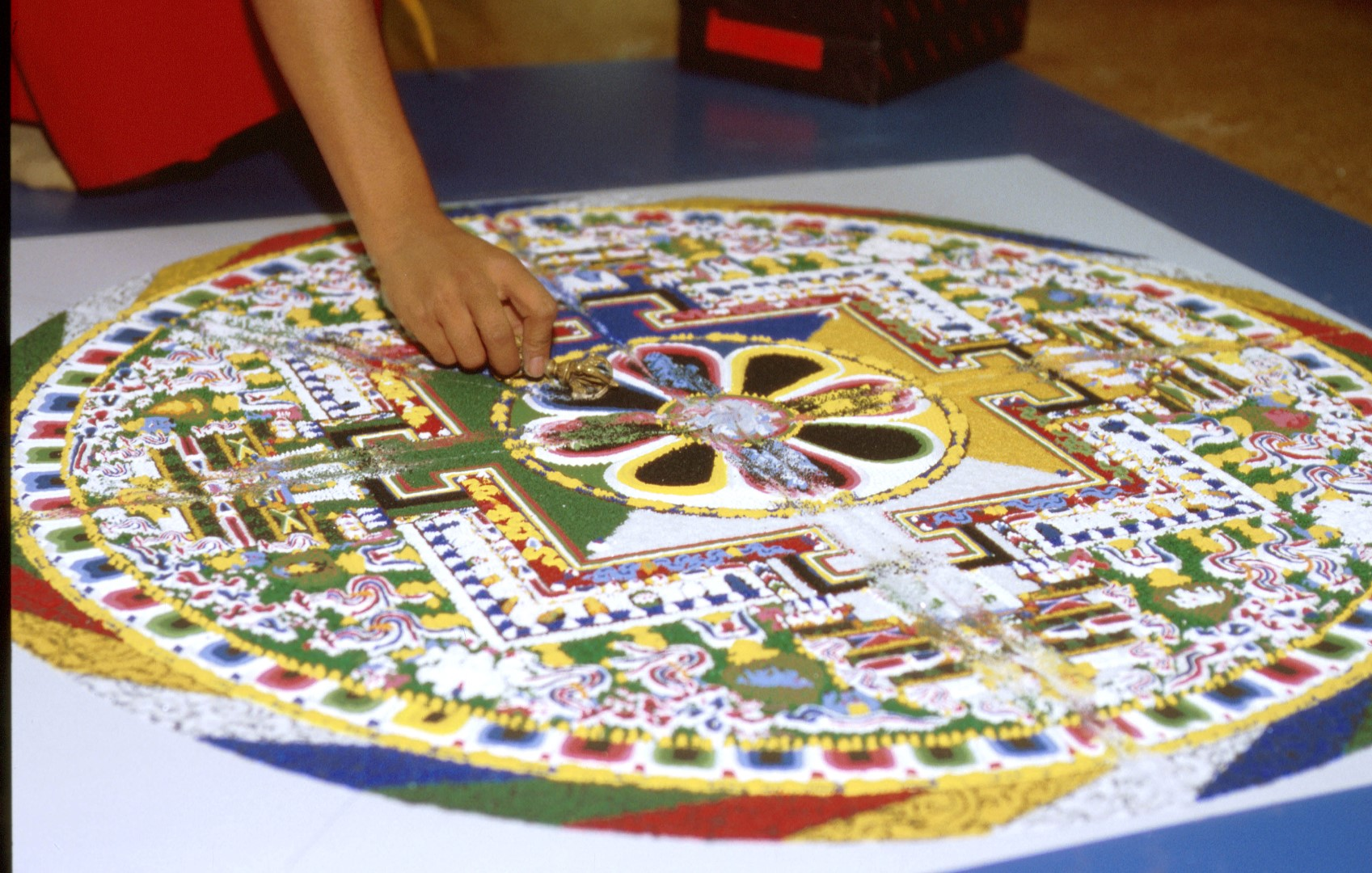 why sand mandalas are destroyed