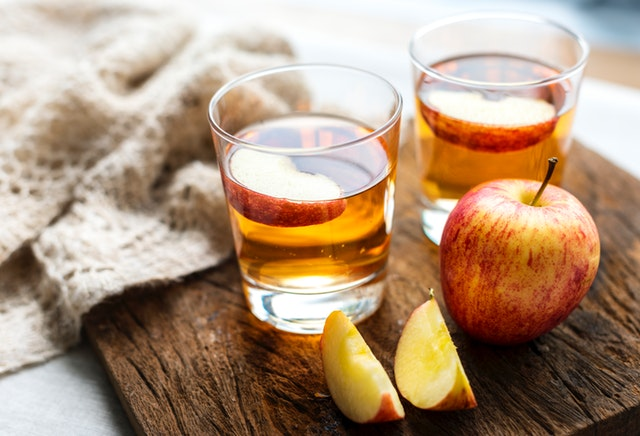 Beauty Benefits of Apple Cider Vinegar: Why and How to Use