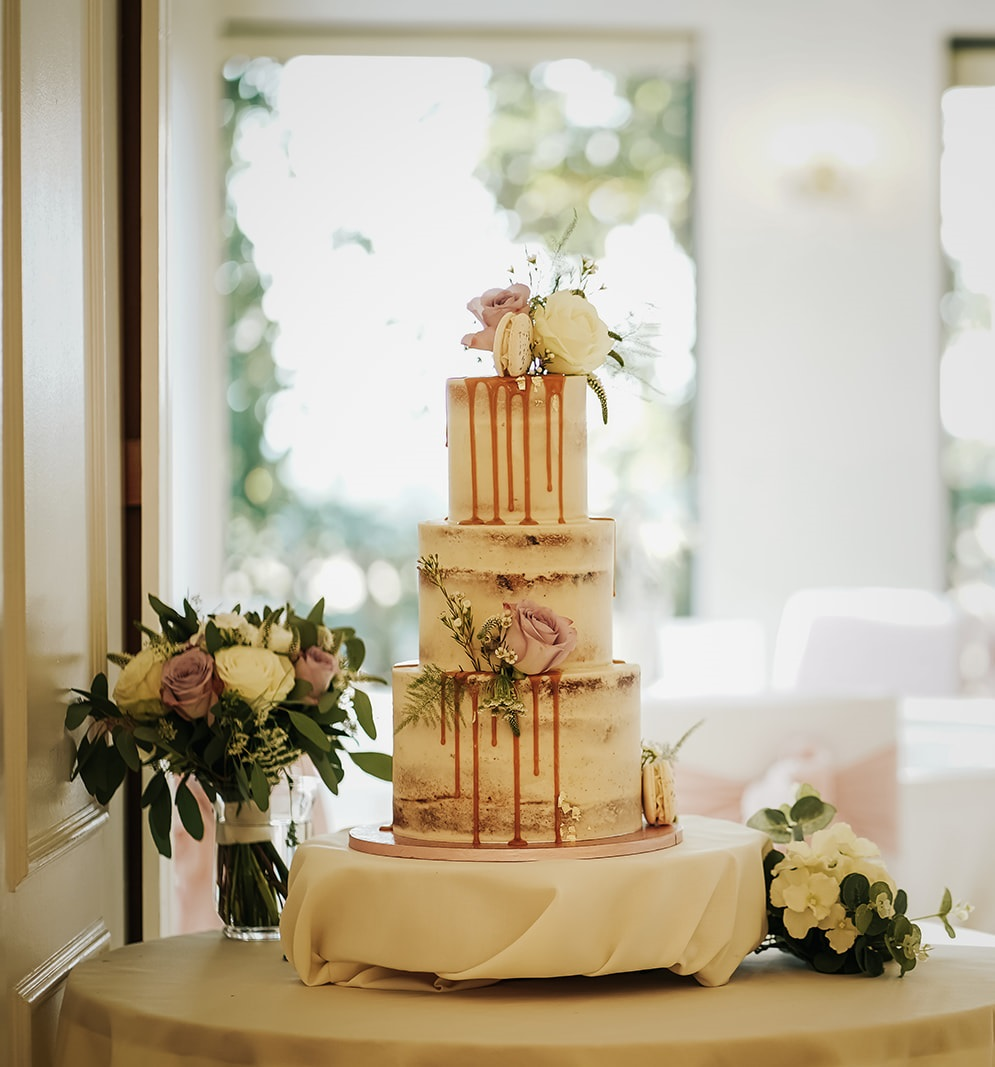 Summer wedding cake at West Tower