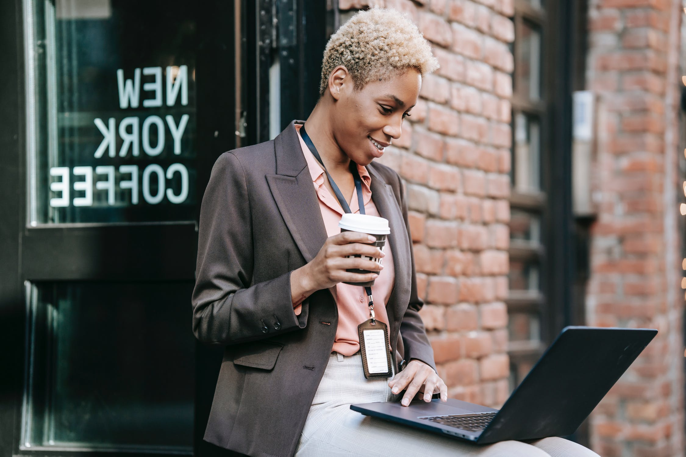 Woman-working-remotely-sales