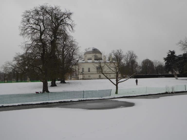 snow at chiswick house grounds near thames crescent