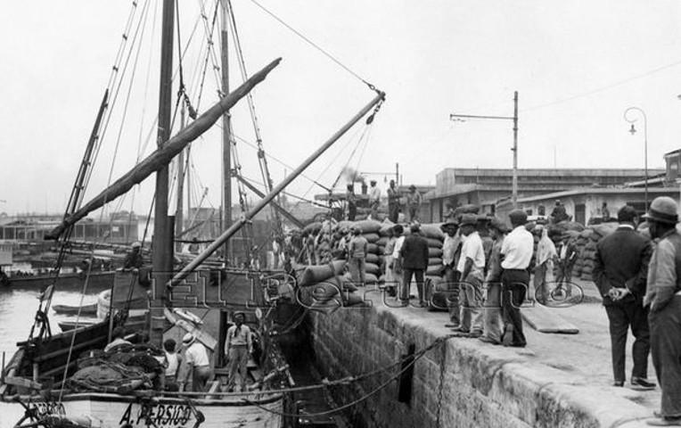 Callao port docking circa 1930