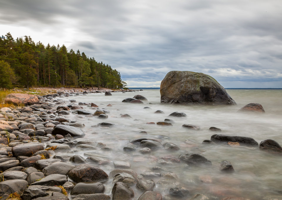 https://secureservercdn.net/160.153.138.177/pgg.651.myftpupload.com/wp-content/uploads/2018/12/Rocky_shore_of_Baltics-960x683.jpg