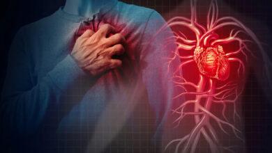 العلامات التحذيرية لأمراض القلب موجودة في فمك