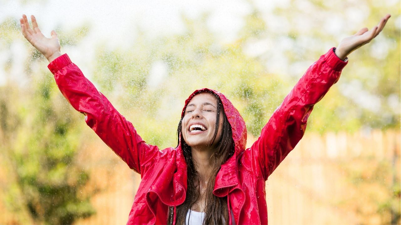 Read more about the article 9 essential tips to care of your skin in monsoon