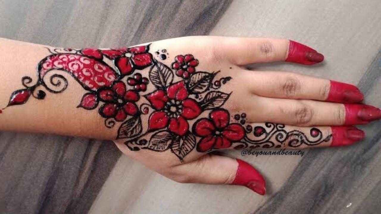 Arabic Black/Red fingertip mehndi design