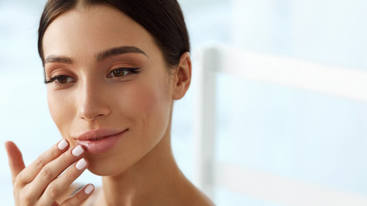How to Get Rid of Chapped and Dry Lips Naturally