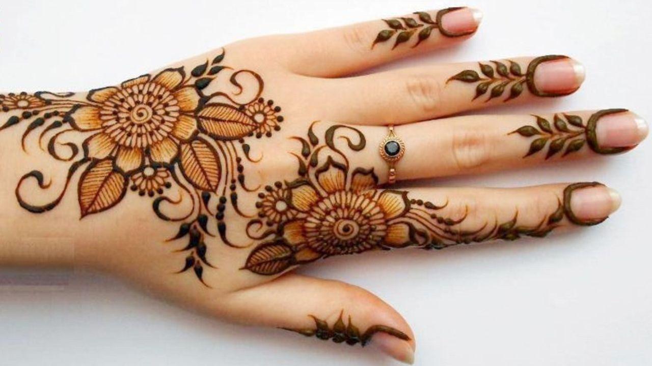 7 Latest Stylish Floral Mehndi Designs For Girls