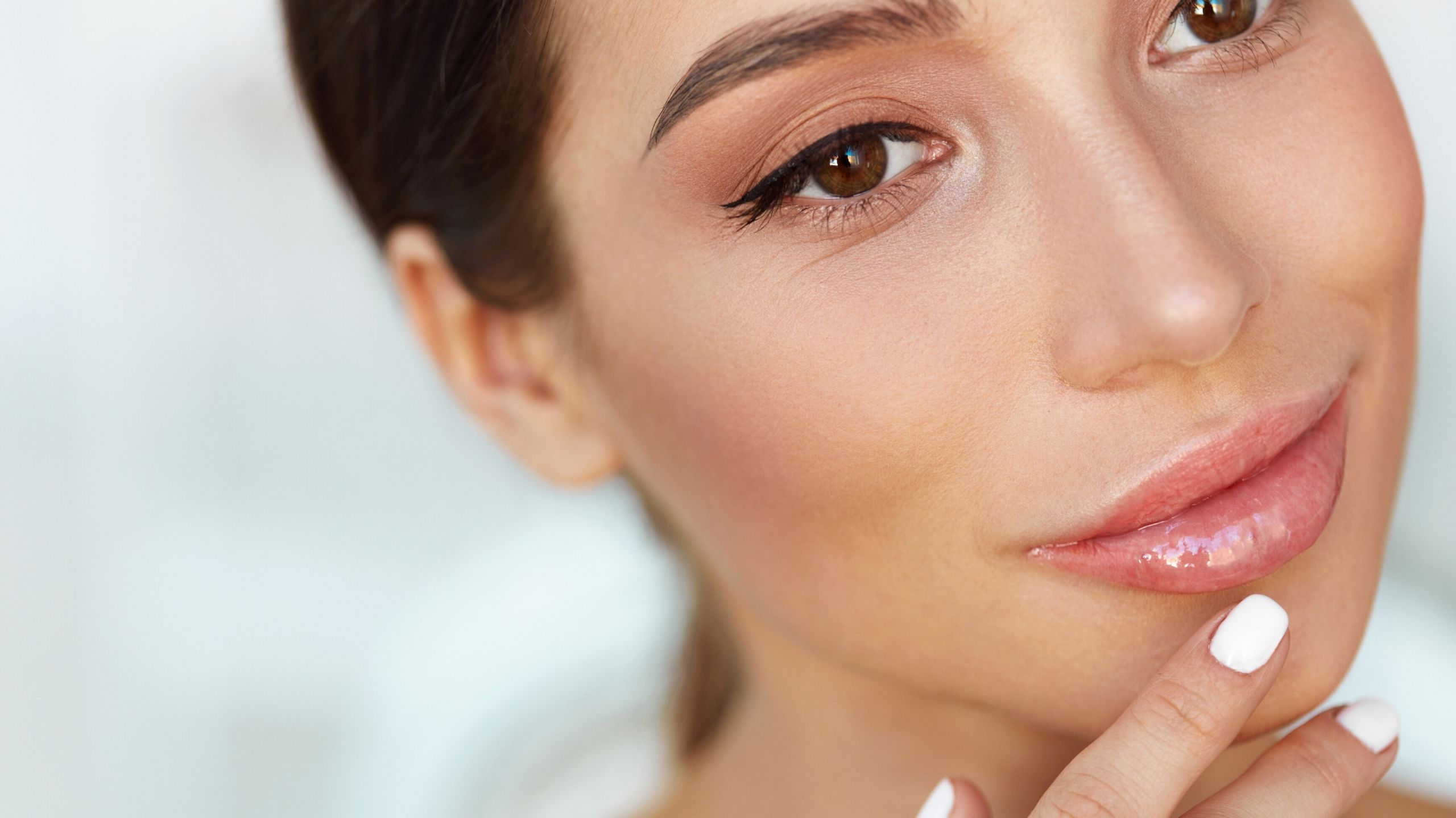 9 Best Lip Balms for Chapped and Dry Lips 2018