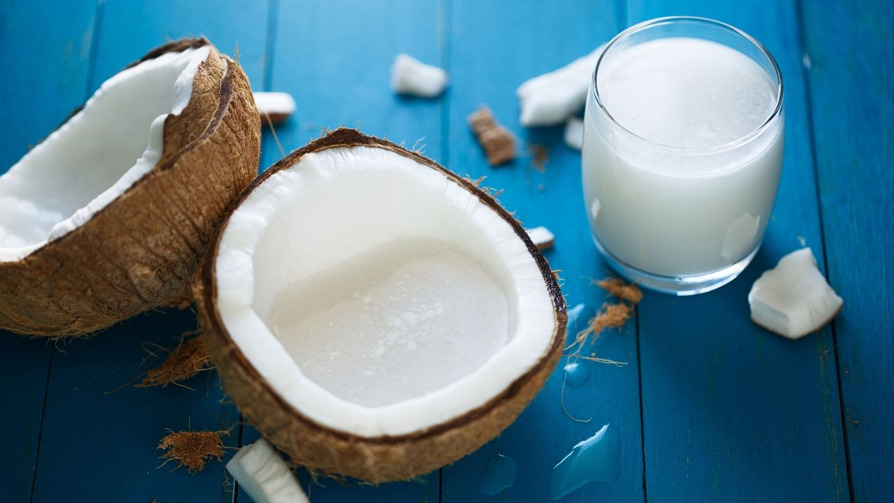 Homemade Coconut Milk Benefits For Skin and Hair