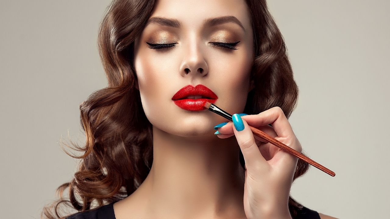 How to Do Makeup at Home Step by Step