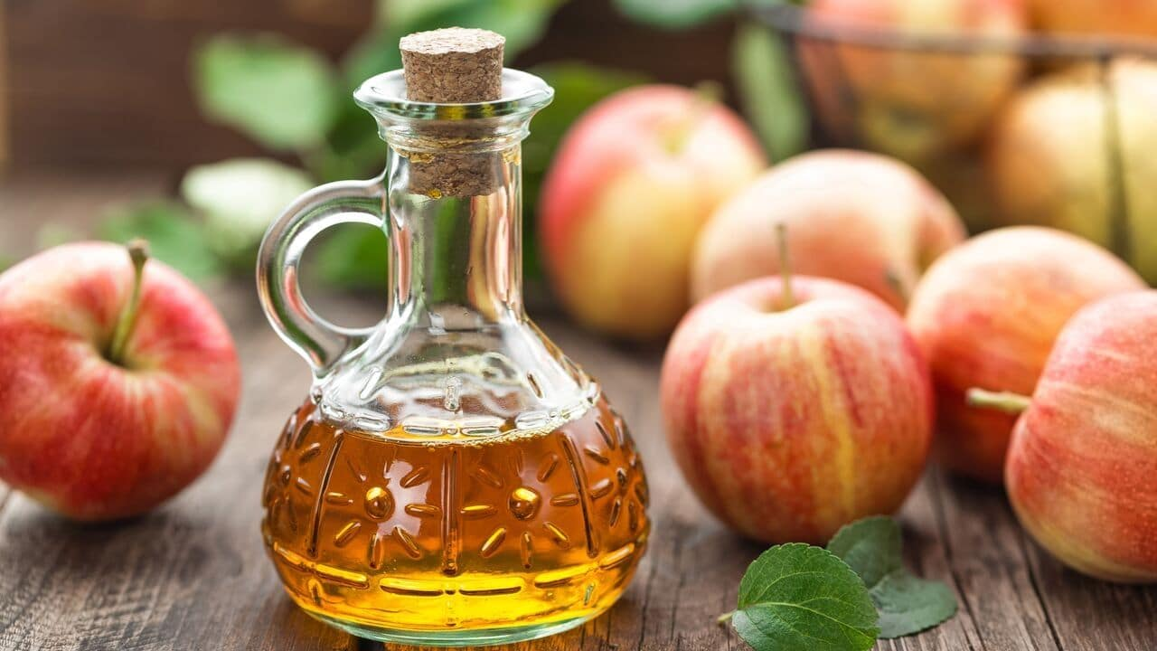 You are currently viewing Apple Cider Vinegar For hair: Get Healthy Hair Naturally