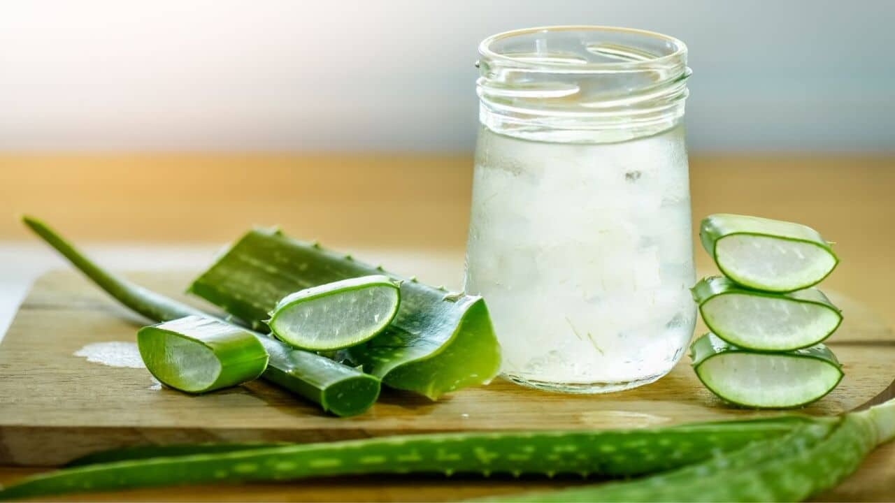 Benefits of Aloe Vera on Face Overnight