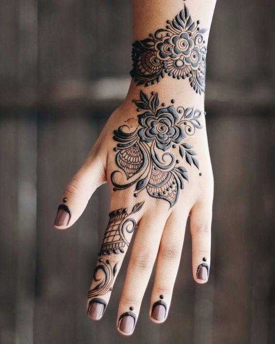 Bracelet Style Attractive henna Design